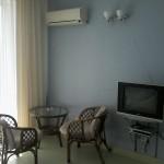 Отдых в Судаке без посредников, гостевой дом Фиалка 2-х местный номер №4 с видом на крепость и море