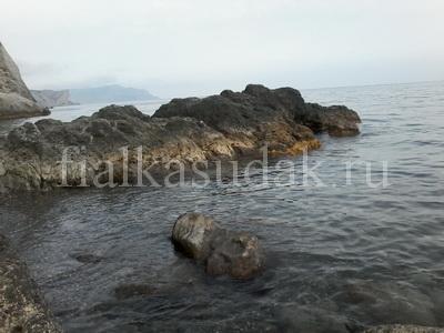 Судак, Уютное, дикий пляж под крепостью